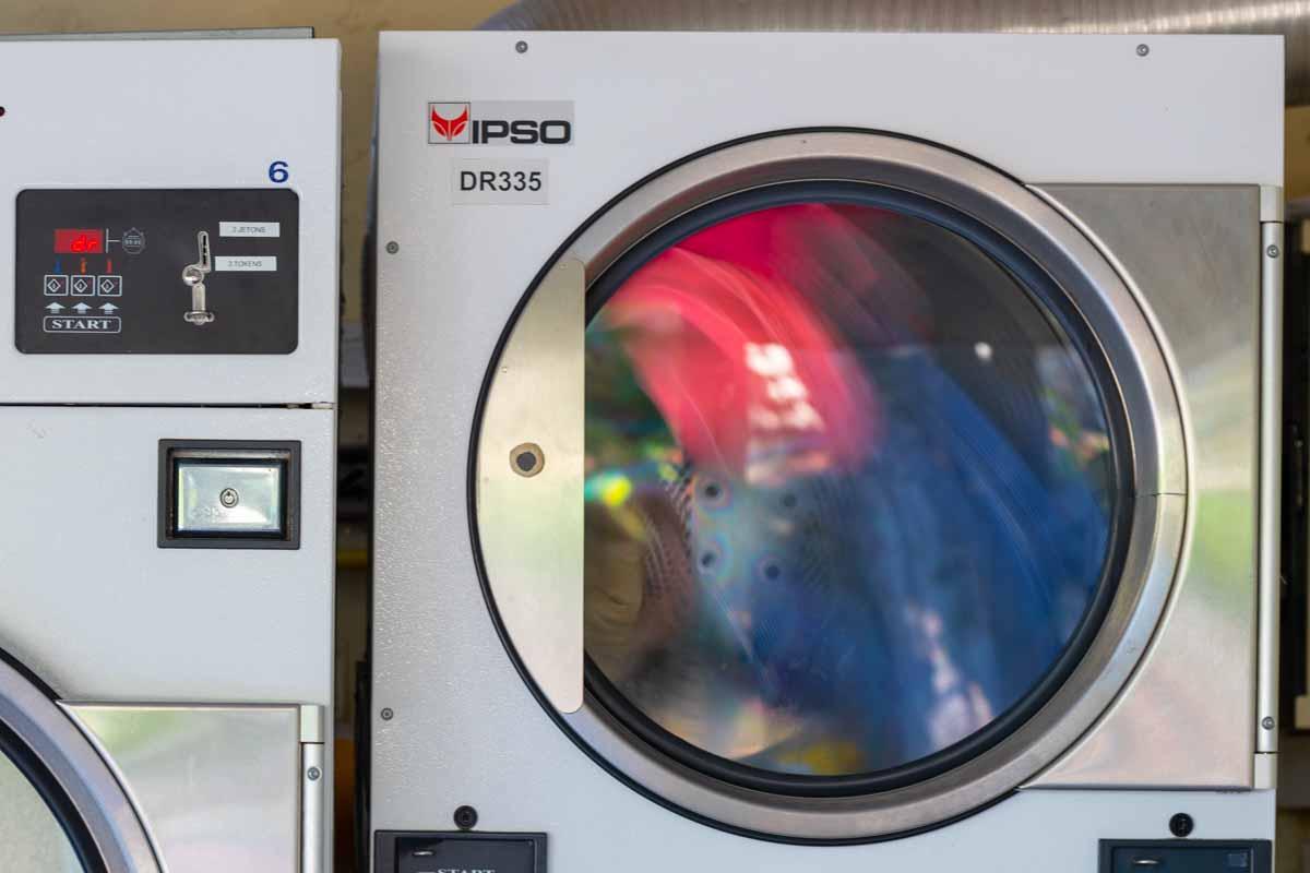 Machine à laver au camping la Vieille Ferme